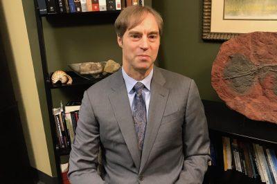 Wywiad z historykiem i filozofem nauki Stephenem C. Meyerem