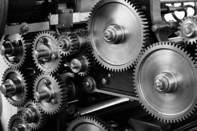 Dlaczego metafora maszyny nie jest adekwatna w odniesieniu do projektu organizmów żywych