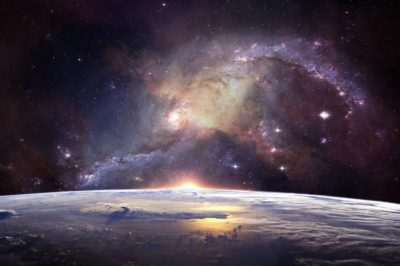 """Informacja jako """"piąty stan"""" materii – akrobacje fizyka"""