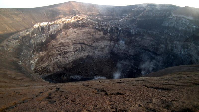 Geolodzy dokumentują, jak bogata w węgiel stopiona skała w górnym płaszczu ziemskim może wpływać na ruch fal sejsmicznych