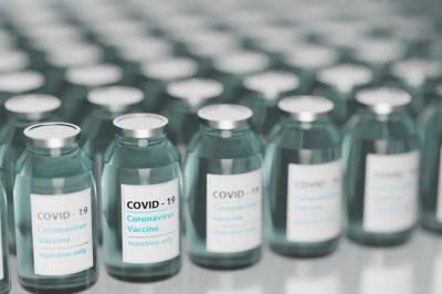 Szczepionki mRNA przeciwko COVID-19 – przełomowe odkrycie czy zagrożenie?